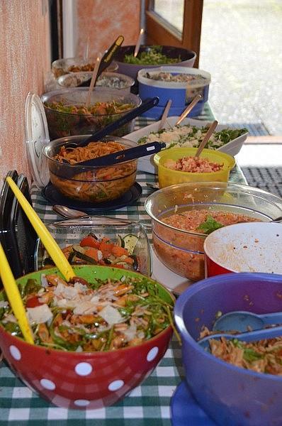 salat buffet 398x600 Toller Sonntag – ein echter Sonntag #13 – Link Party
